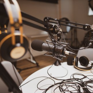 Microphone, headphones, software ... everything you need to start your podcast