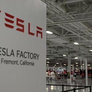 Tesla dément travailler sur une montre connectée
