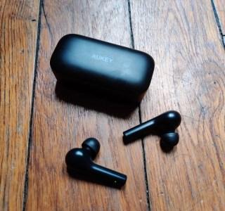 Prise en main Aukey EP-T21 : l'alternative aux Redmi AirDots de Xiaomi ?