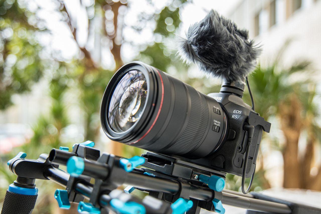 Les Canon EOS R5 et R6 sont officiels : Sony, Panasonic et Nikon ont de quoi s'inquiéter