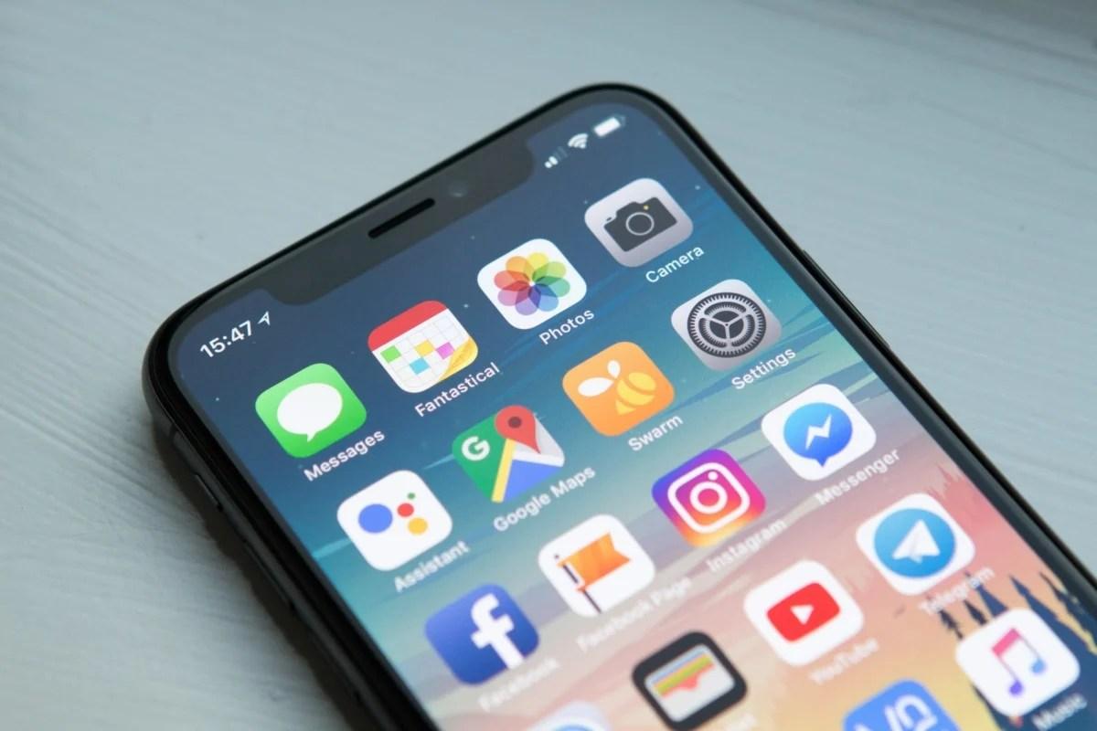 iPhone 12: pour affaiblir la position de Samsung, Apple mise sur l'Oled de LG