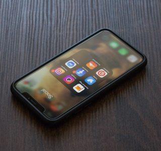 Apple empêche Facebook d'évoquer les 30 % de commission de l'App Store sur son app