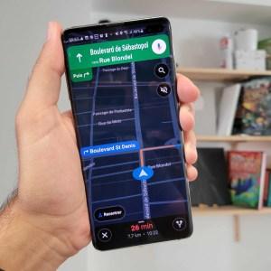 Google Maps se prépare à accueillir un vrai mode sombre sur son application