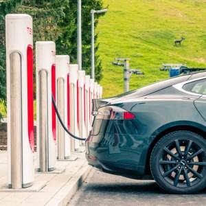 Voiture électrique : autonomie, recharge et prix, les choses à savoir avant un achat