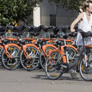 Self-service bicycle rental: applications to know