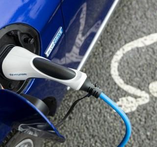 Avec Charge myHyundai, accédez à 160000bornes européennes pour recharger votre véhicule