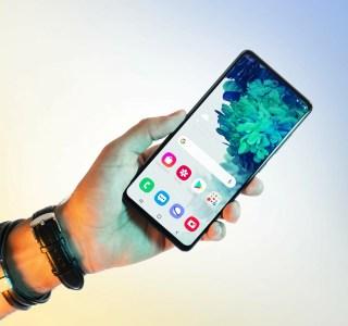 Test du Samsung Galaxy S20 FE 5G: quand les compromis servent à mieux séduire