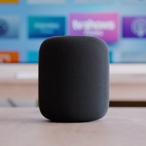 Apple développerait un Smart Display et un hybride Apple TV et HomePod pour conquérir le salon
