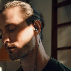 Sennheiser lance des écouteurs haut de gamme, et ce ne sont pas des true wireless