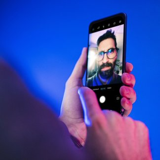 We took a lot of selfies with the first photo sensor under the screen of a smartphone and it's not terrible