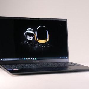 ZenBook13 OLED: Asus lance ses premiers laptops OLED, qu'est-ce que ça change?