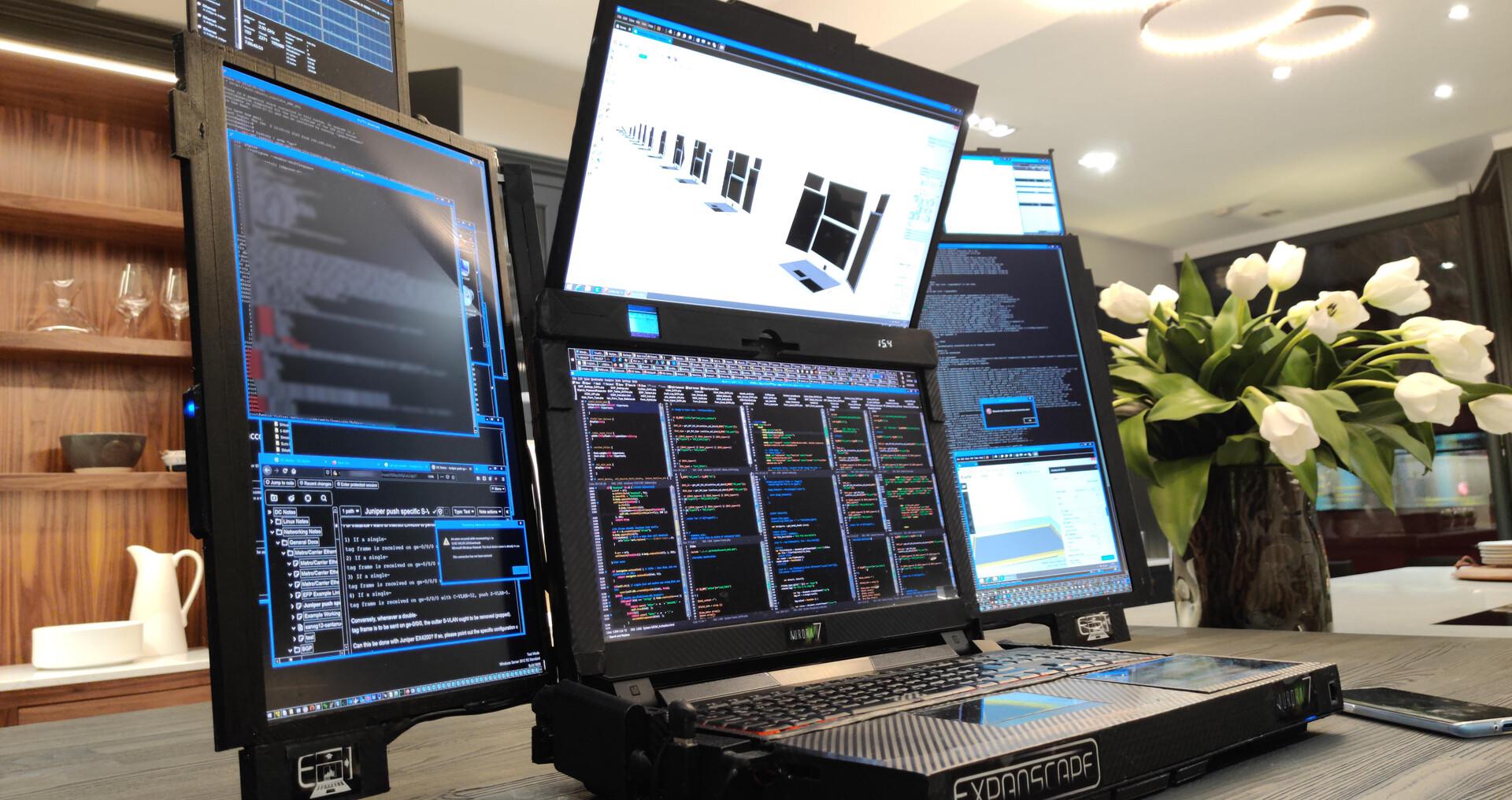 Expanscape Aurora 7 : 7 écrans et un i9-9900K sur ce PC aux relents cyberpunk