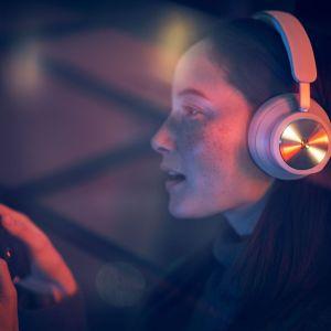 Beoplay Portal : un casque gaming onéreux pour la Xbox et le PC signé Bang & Olufsen
