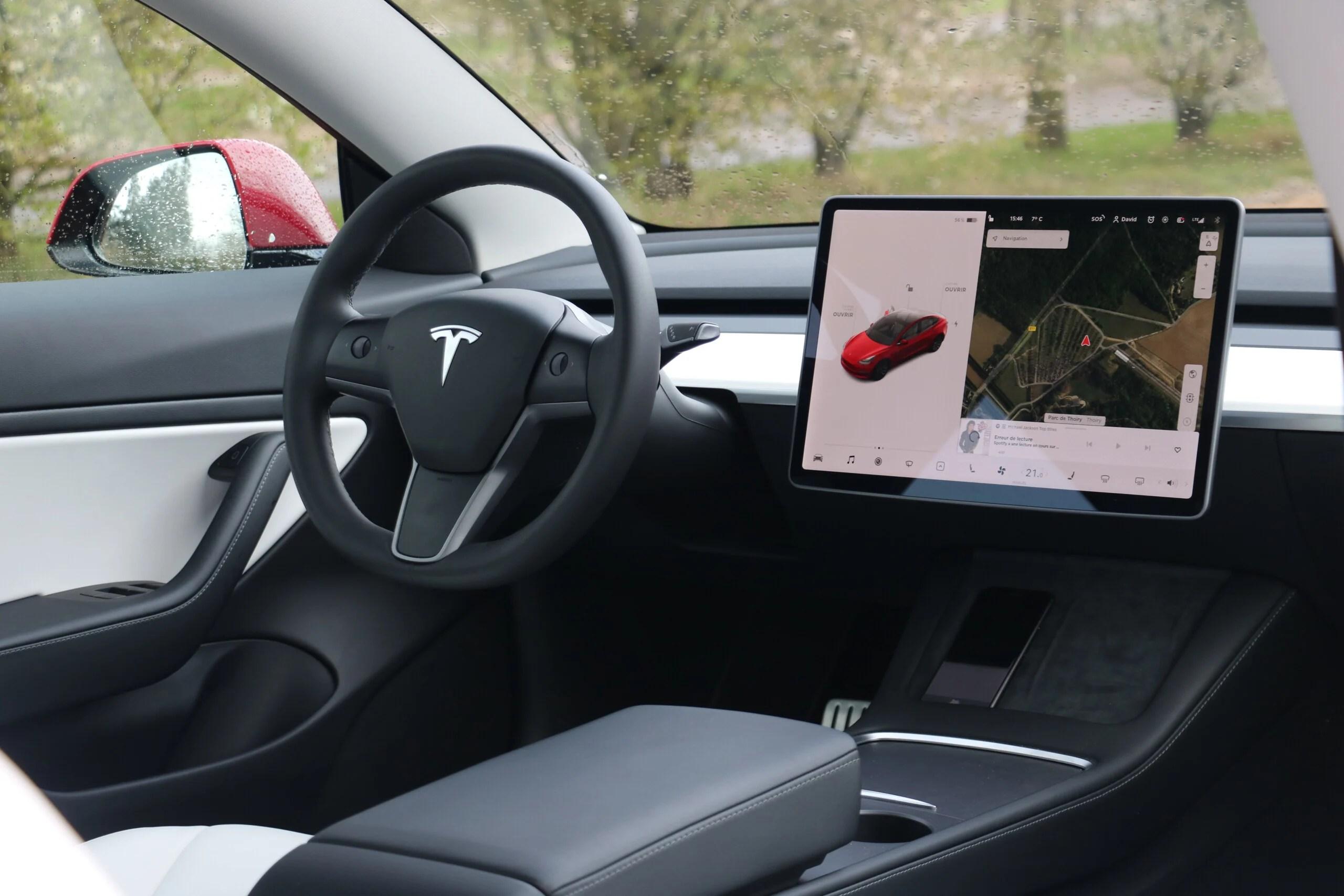 Accessoires Tesla Model3: les indispensables pour plus de confort