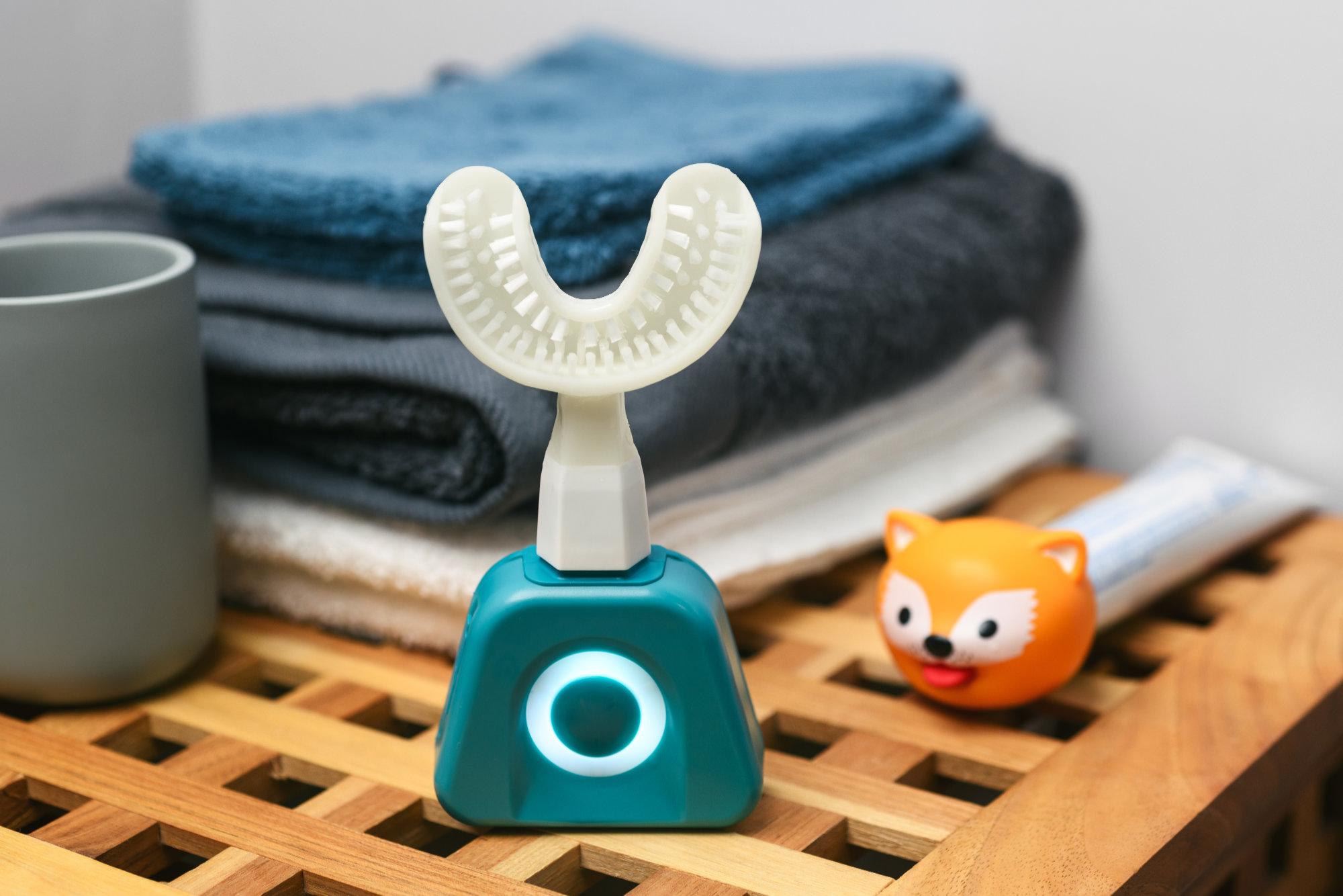 Y-Brush vous brosse les dents en 10secondes: mais comment ça fonctionne?