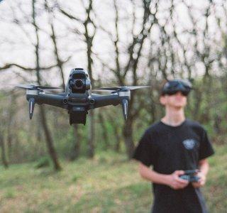 Test du DJI FPV : un drone très fun pour les passionnés
