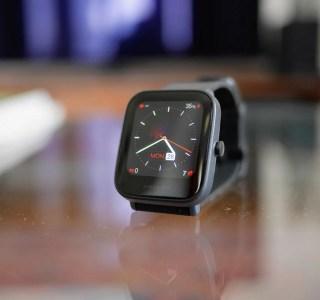 Test de l'Amazfit Bip U Pro : une montre connectée basique, mais un prix très attractif