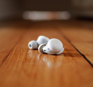 Test des Google Pixel Buds A : des écouteurs sans fil compacts et accessibles