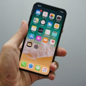 L'antitrust américain cherche à interdire à Apple et Google de pré-installer leurs applications sur les smartphones