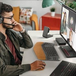 Tapis de charge sans fil, webcams, souris verticale… Lenovo lance des accessoires à gogo pour ses PC
