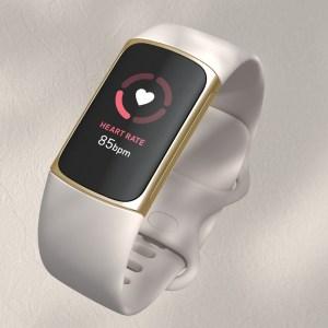 Fitbit Charge 5 officialisé : un bracelet connecté qui a tout d'une smartwatch
