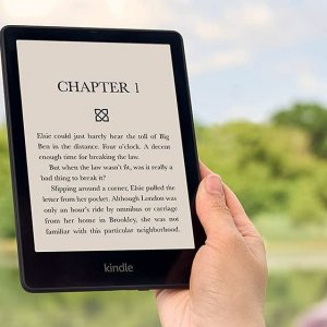 Amazon Kindle Paperwhite 2021 : plus besoin de multiplier les chargeurs ni de plisser les yeux