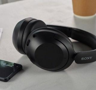 Sony lance un casque sans fil qui a tout d'un WH-1000XM4… sauf le prix