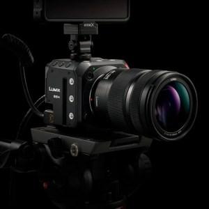 Lumix BS1H : Panasonic lance un tout petit boîtier full frame pour concurrencer les caméras pro
