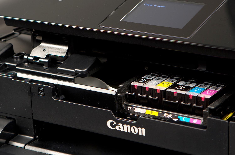 Pas d'encre, pas de scanner : Canon face à un recours collectif pour ses imprimantes multifonctions