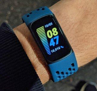 Test du Fitbit Charge 5 : à quelques pas du bracelet d'activité ultime