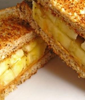 banane-beurre-cacahuete-sandwich