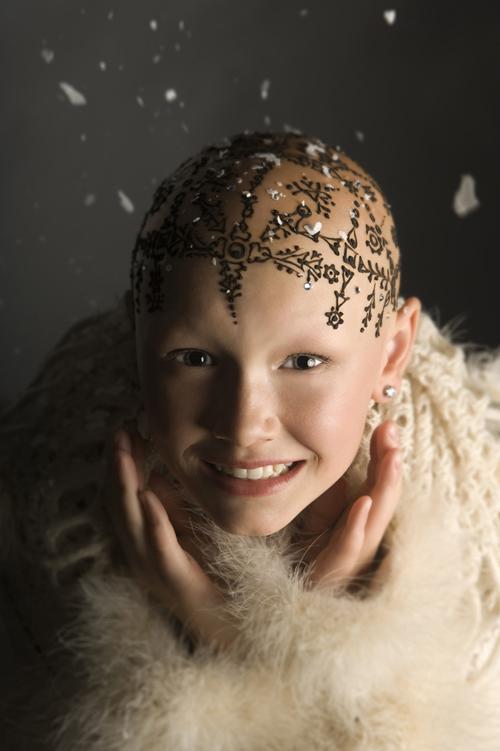 Une couronne de henné pour mieux accepter la perte de ses cheveux