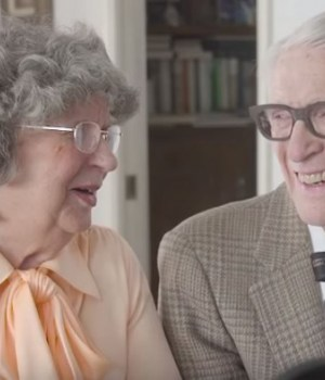 couple-marie-60-ans-la-haut