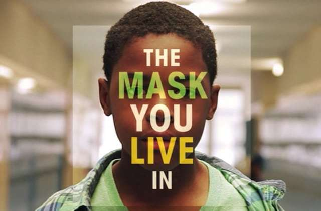 sois-un-homme-mask-live-in