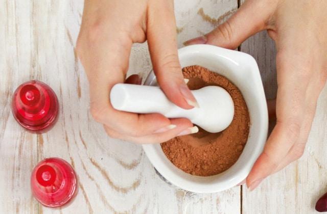 aroma-zone-livre-apprendre-fabriquer-maquillage