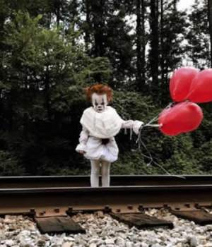 enfant-deguise-clown-ca