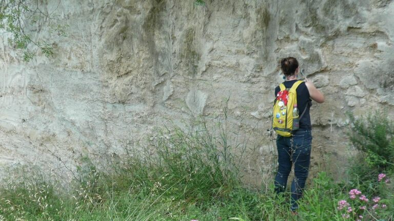 «geologue-chercheure-cnrs»