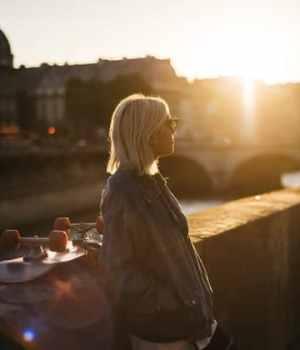 solitude-jeunes-femmes-france