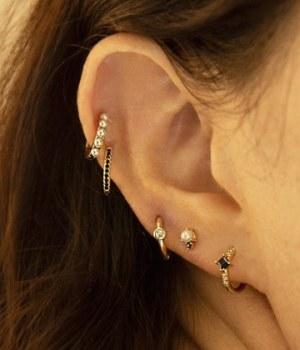 curated-ear-tendance
