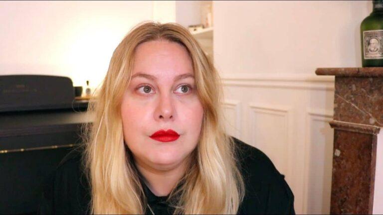 «video-juliette-coucou-les-girls-enceinte-fausse-couche»