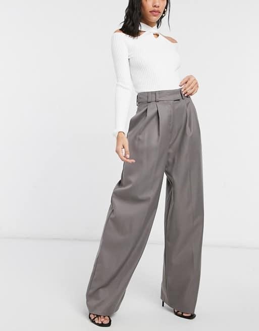 Pantalon large à pinces en polyester mélangé, Topshop, 51,99€.