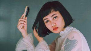 femme-brosse