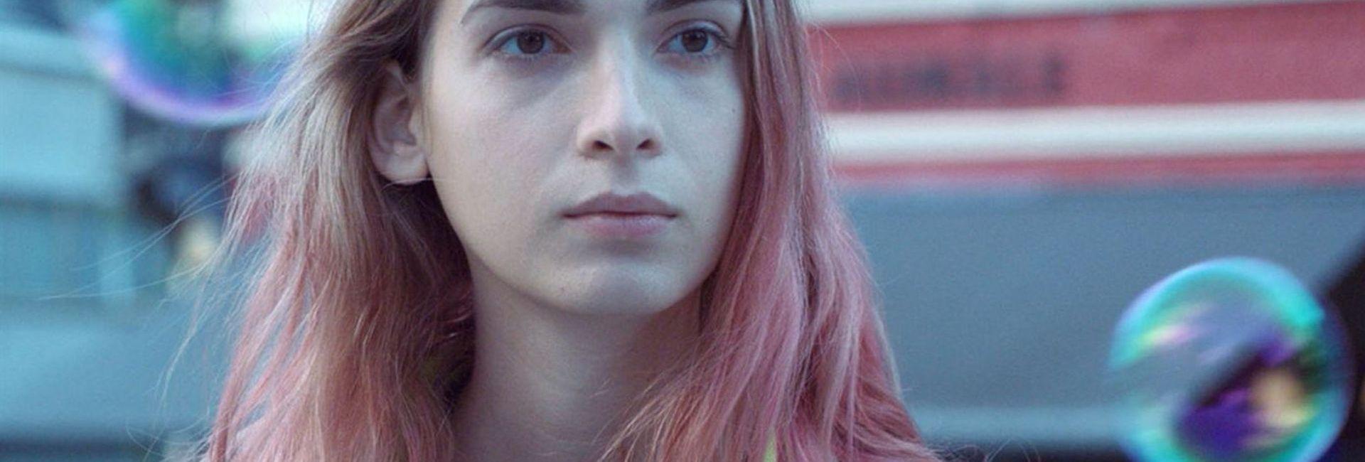 mya bollaers dans le film Lola vers la mer