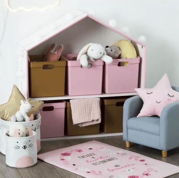 Meuble étagère à deux niveaux en forme de petite maison – 83€40 106,50 €