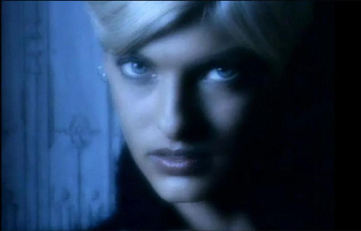 Linda Evangelista dans le clip Freedom! '90 de George Michael, réalisé par David Fincher en 1990