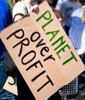 pancarte planet over profit