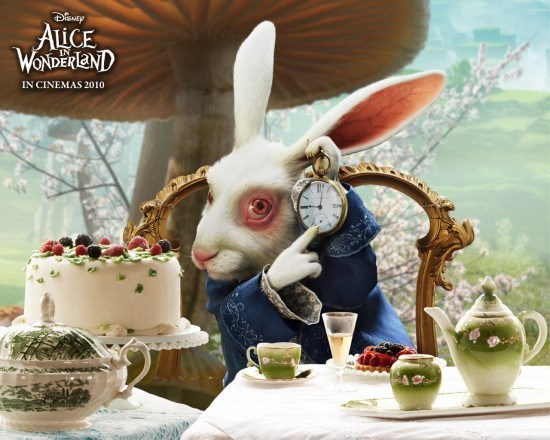 Moi, après avoir repris le boulot, une allégorie. Image tirée du film Alice au pays des merveilles (2010)