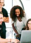 Jeunes – groupe – travail