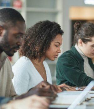 pexels-andy-barbour-universite plan actions violences sexistes et sexuelles
