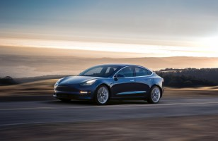 Employés au bord du burn-out : comment Tesla a produit 5 000 Model 3...